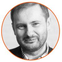 Krzysztof Bąk prowadzi szkolenie strategia komunikacji marki