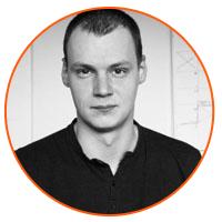 Paweł Popek prowadzi szkolenie z strategii komunikacji marki
